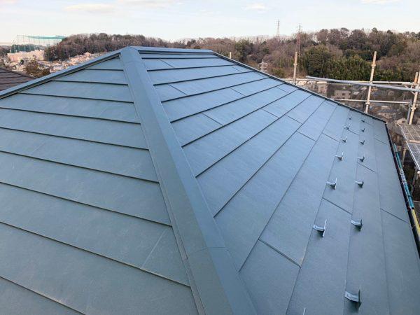 日野市で屋根カバー工法施工